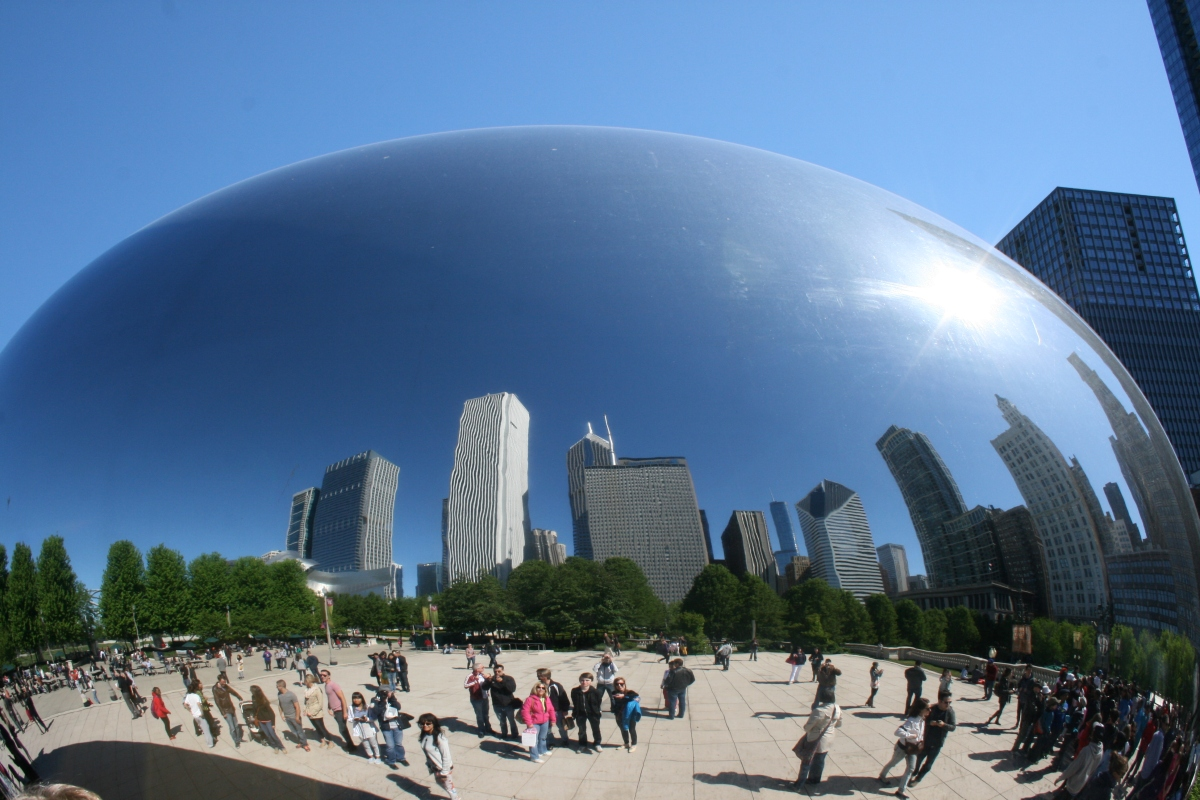 Cloud Gate (The Bean) Millennium Park – Reflections of Chicago