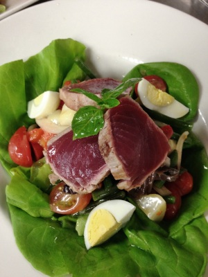 Cognac Tuna Nicoise Salad - Image courtesy Cognac Restaurant