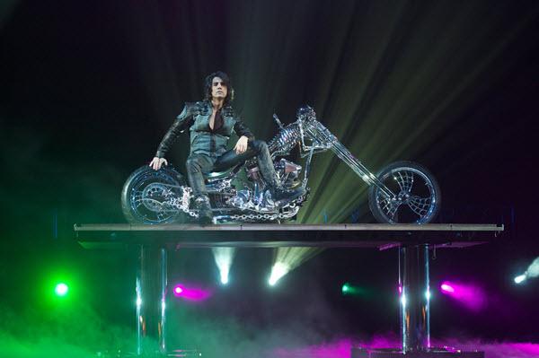 Cirque du Soleil ChrisAngel - PhotoCourtesy APWI Photographer MatthewBurke